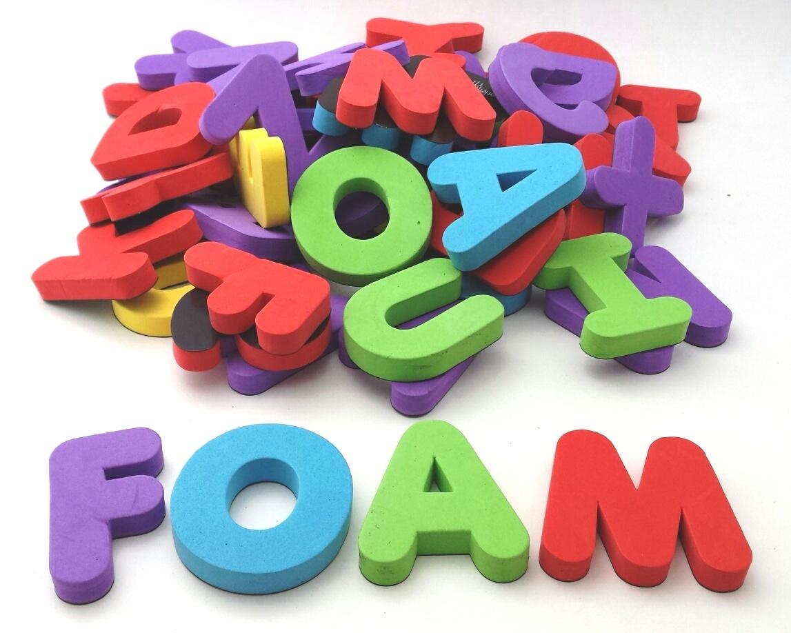 Magnetbuchstaben und Magnetzahlen, Magnetspiel, Magnet Alphabet, Magnetschaumzahlen Zeichen, Magnetisches Alphabet und Zahlen, Magnetbuchstaben oder Zahlen
